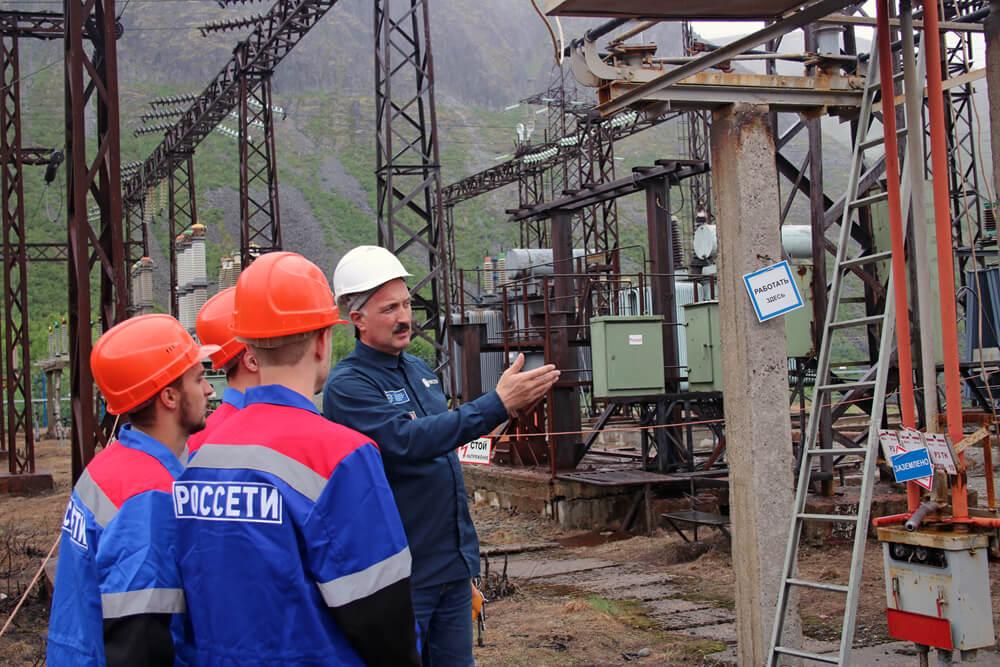Пятнадцать студентов прошли трудовую вахту в Мурманске и Апатитах