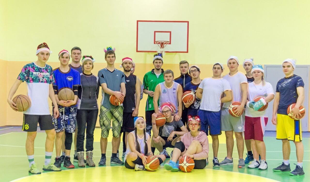 """Новогодний баскетбольный турнир """"Матч сильнейших"""""""