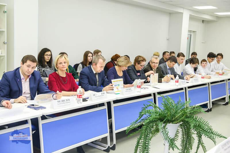 Во встрече юных исследователей и представителей предприятий приняла участие директор нашего филиала Ольга Островская