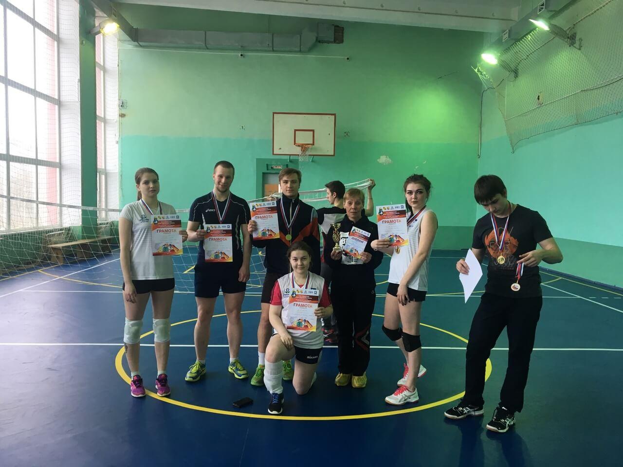 Поздравляем волейболистов с победой!